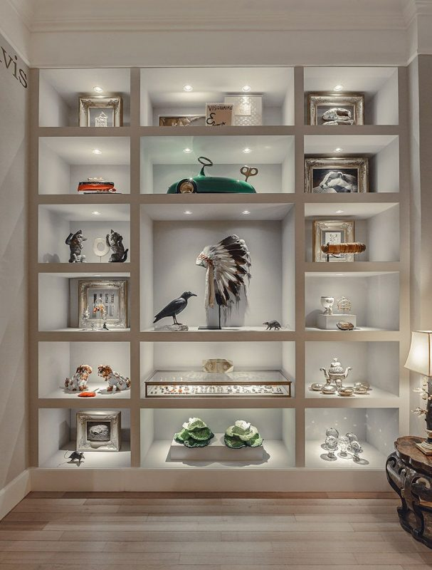 20+ Amazing DIY Ideas for Display Cases [Images]